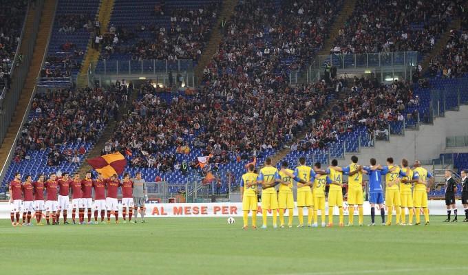 Andreotti e il minuto di silenzio: fischi in tutti gli stadi