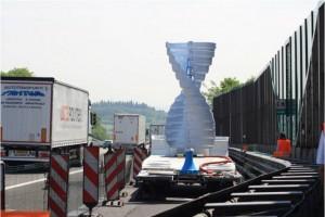 Autostrade come centrali: l'energia dal vento sollevato dai camion