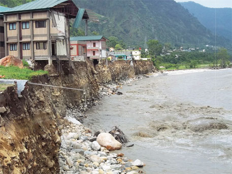 Many houses illegally constructed near the river crumbled in Uttarkashi town (Photographs: Pushkar Rawat)