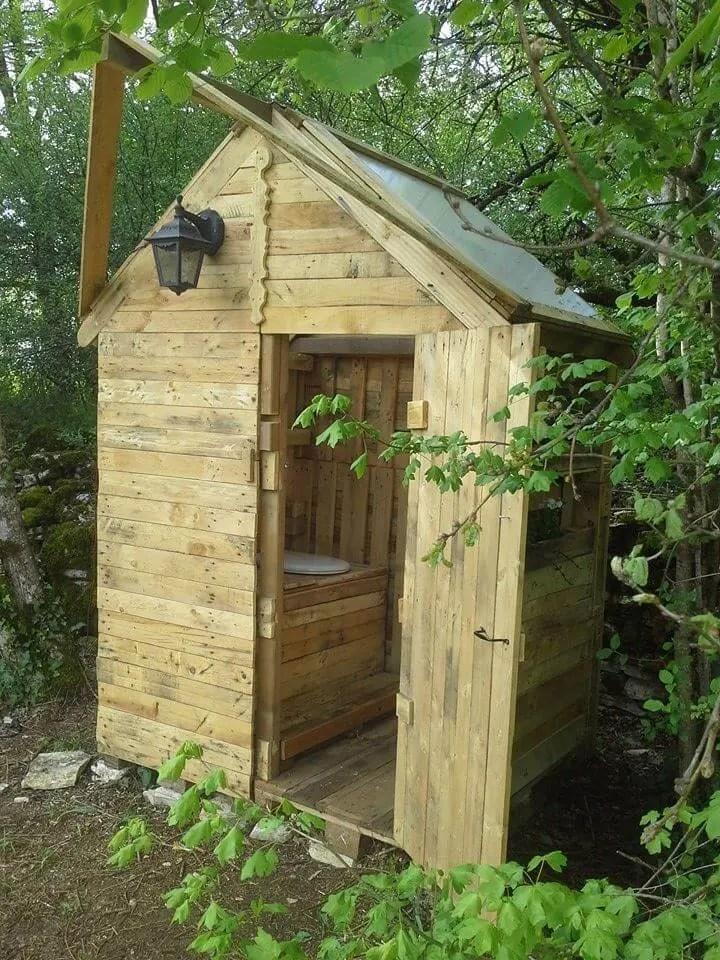 DIY Pallet Outdoor Toilet - Pallet Bathroom - Easy Pallet ... on Backyard Bathroom Ideas  id=92772