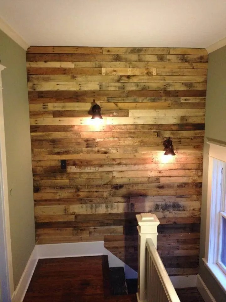 DIY Pallet Wall for Upstairs with Lights - Easy Pallet Ideas on Pallet Room Ideas  id=31770
