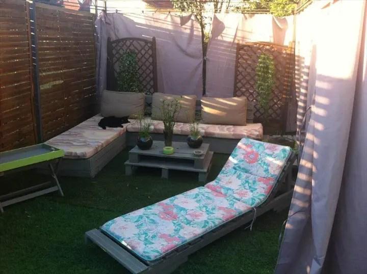 DIY Pallet Garden and Patio Furniture Set - Easy Pallet Ideas on Diy Garden Patio Ideas id=23600