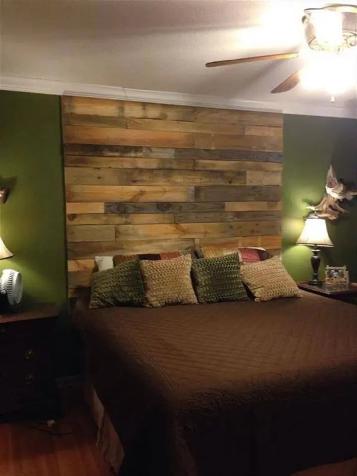 DIY Wood Pallet Wall Ideas and Paneling - Page 2 of 4 ... on Pallet Room Ideas  id=13668