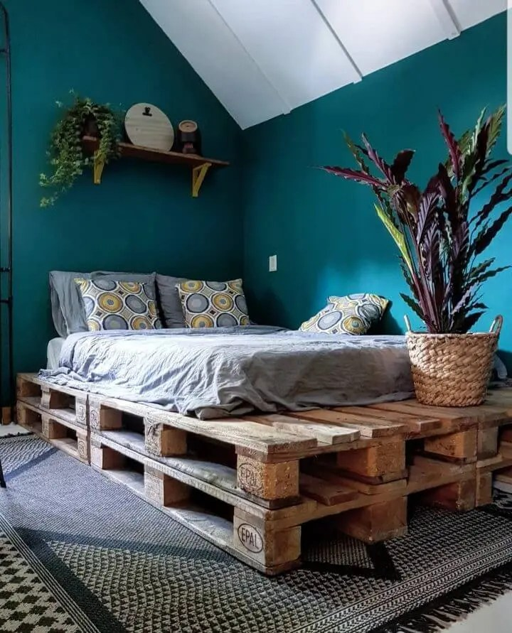 100 DIY Recycled Pallet Bed Frame Designs - Easy Pallet Ideas on Pallet Bed Design  id=84722