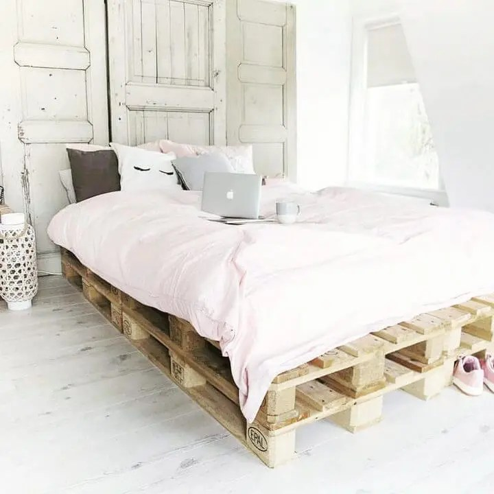 100 DIY Recycled Pallet Bed Frame Designs - Easy Pallet Ideas on Pallet Bed Design  id=51200