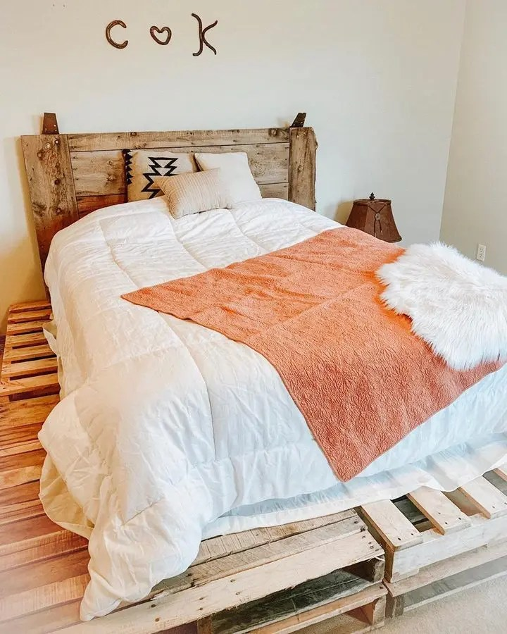 100 DIY Recycled Pallet Bed Frame Designs - Easy Pallet Ideas on Bed Pallet Design  id=39825