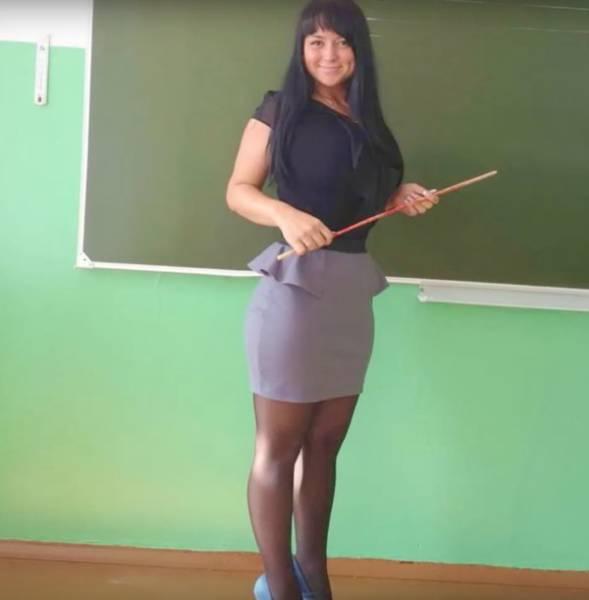 33 Hot Teachers You Wish You Had - Wow Gallery | eBaum's World