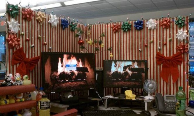 Office Christmas Cubicle