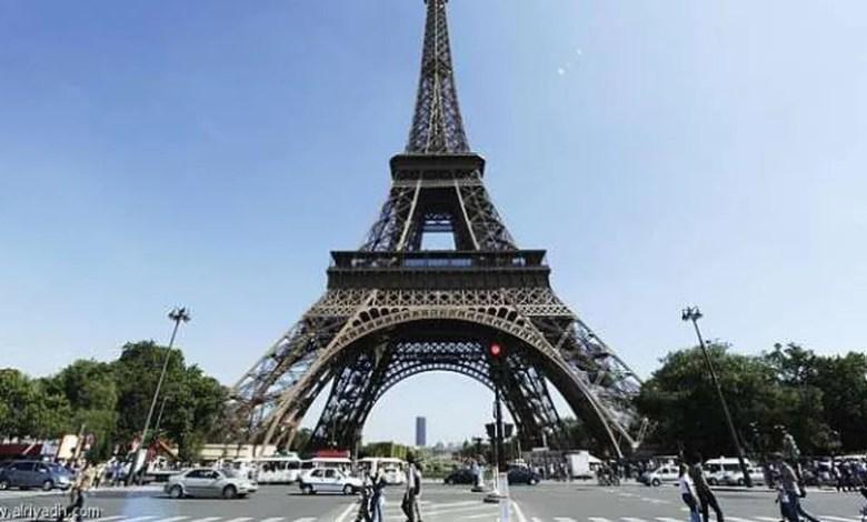 الأمن الفرنسى يخلى برج إيفل في أعقاب تخويف بوجود عبوة ناسفة