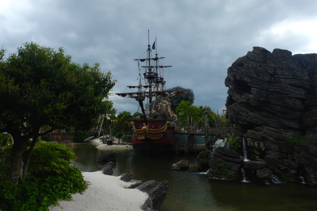 Skull Rock Disneyland Paris