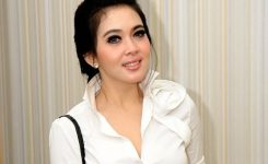 Syahrini Is An Indonesian Singer And Tv Personality Her First Solo Album My Lovely Was Released In Although She Had Preceded Her Singing Career By