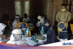 Melihat MTs di Polman Numpang di Rumah Warga untuk Ujian Semester Siswa