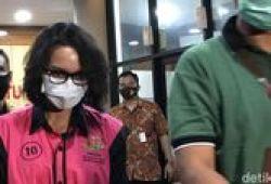 Usai Diperiksa Kejagung 11 Jam, Jaksa Pinangki Bungkam