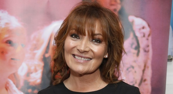 lorraine kelly shares pic with her mum and aunt