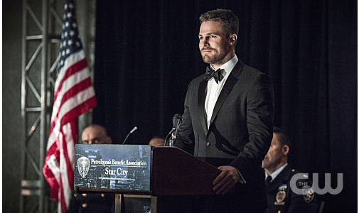 "Arrow -- ""Brotherhood"" -- Image AR407B_120b.jpg -- Pictured: Stephen Amell as Oliver Queen -- Photo: Cate Cameron/The CW -- © 2015 The CW Network, LLC. All Rights Reserved."