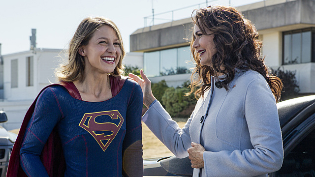 supergirl-welcome-to-earth-image-1