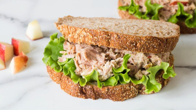 Apple & Tuna Sandwich
