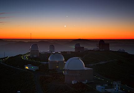El baile de tres planetas sobre La Silla