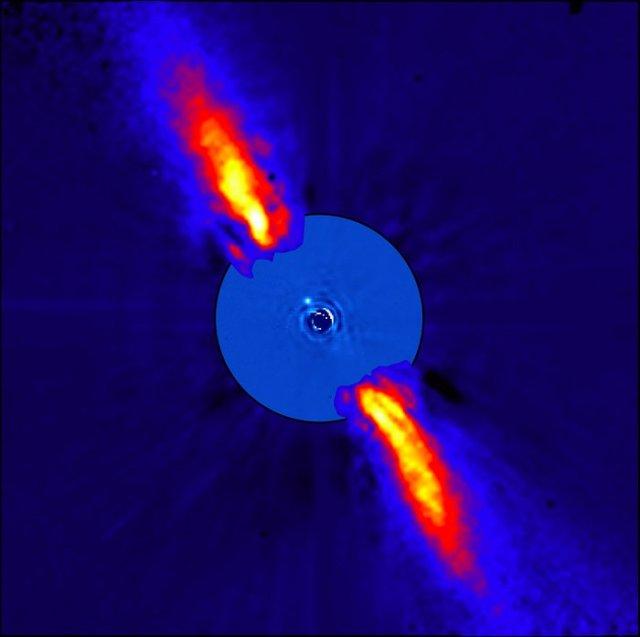 Beta Pictoris vista en el infrarojo