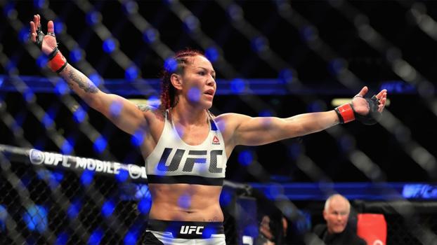 Cyborg nocauteou e se tornou campeã do UFC