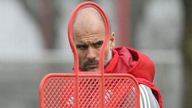 Josep Guardiola durante treino do Bayern de Munique