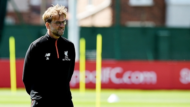 Klopp comanda treino do Liverpool