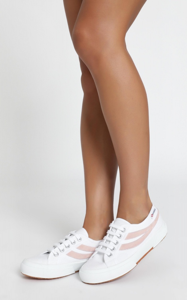 Superga - 2953 Swollowtail Cotusuede Sneaker In White And Pink 9