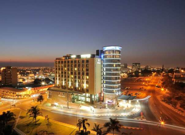 Night life in Windhoek is so serene and ambient (photo: www.ppald.com)