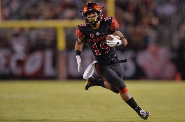 Oct 21, 2016; San Diego, CA, USA; San Diego State Aztecs running back Donnel Pumphrey (19) runs for a second quarter touchdown against the San Jose State Spartans at Qualcomm Stadium. Mandatory Credit: Jake Roth-USA TODAY Sports