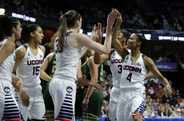 How many consecutive games have the UConn Women's ...