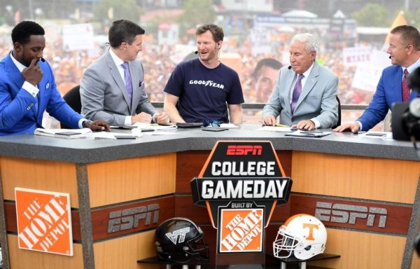ESPN College GameDay Week 13 live stream: Watch online