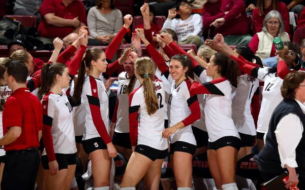 Gophers volleyball to battle Stanford in NCAA Sweet 16