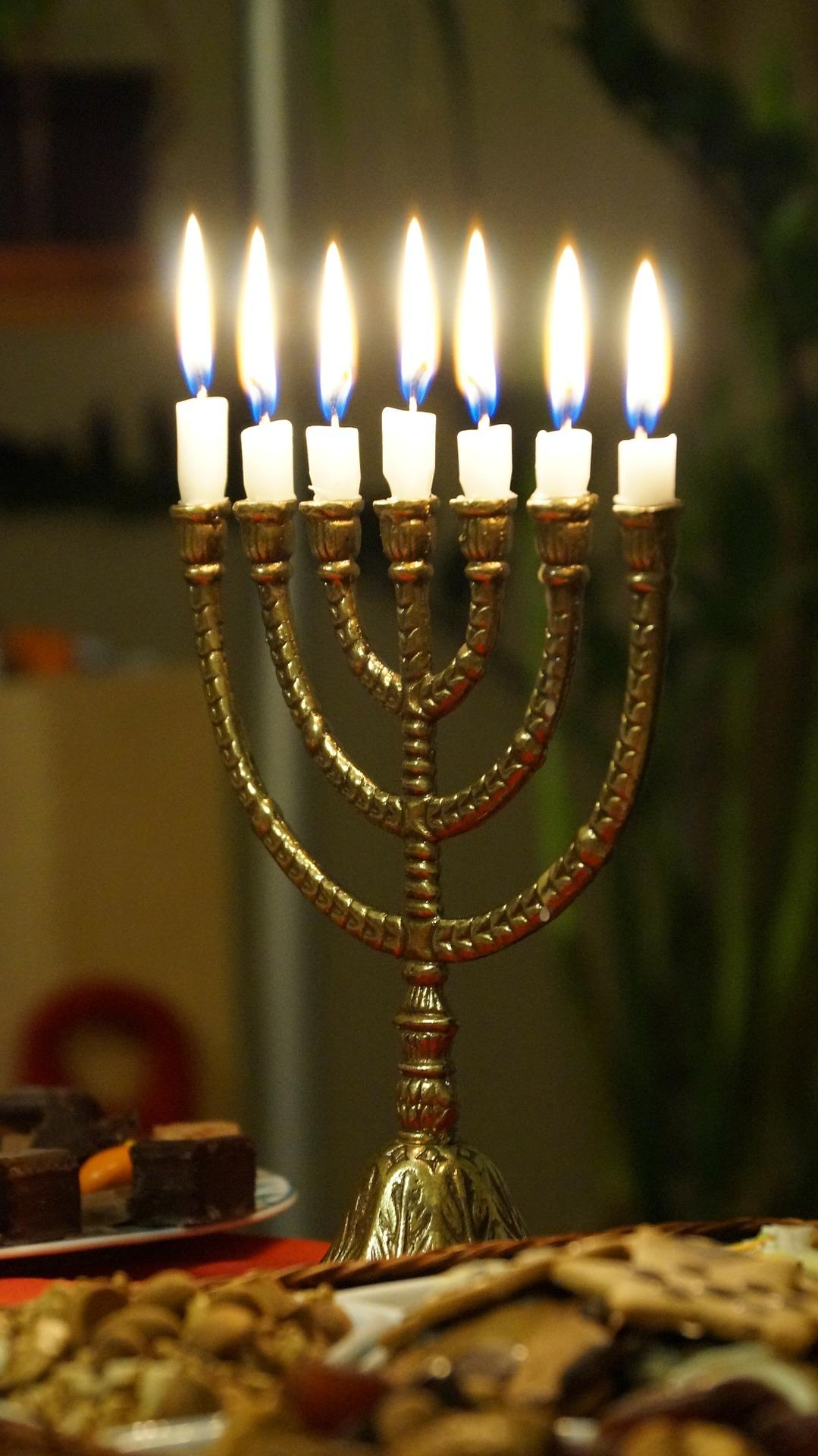 Family And Children Shabbat And Hanukkah Potluck Dinner
