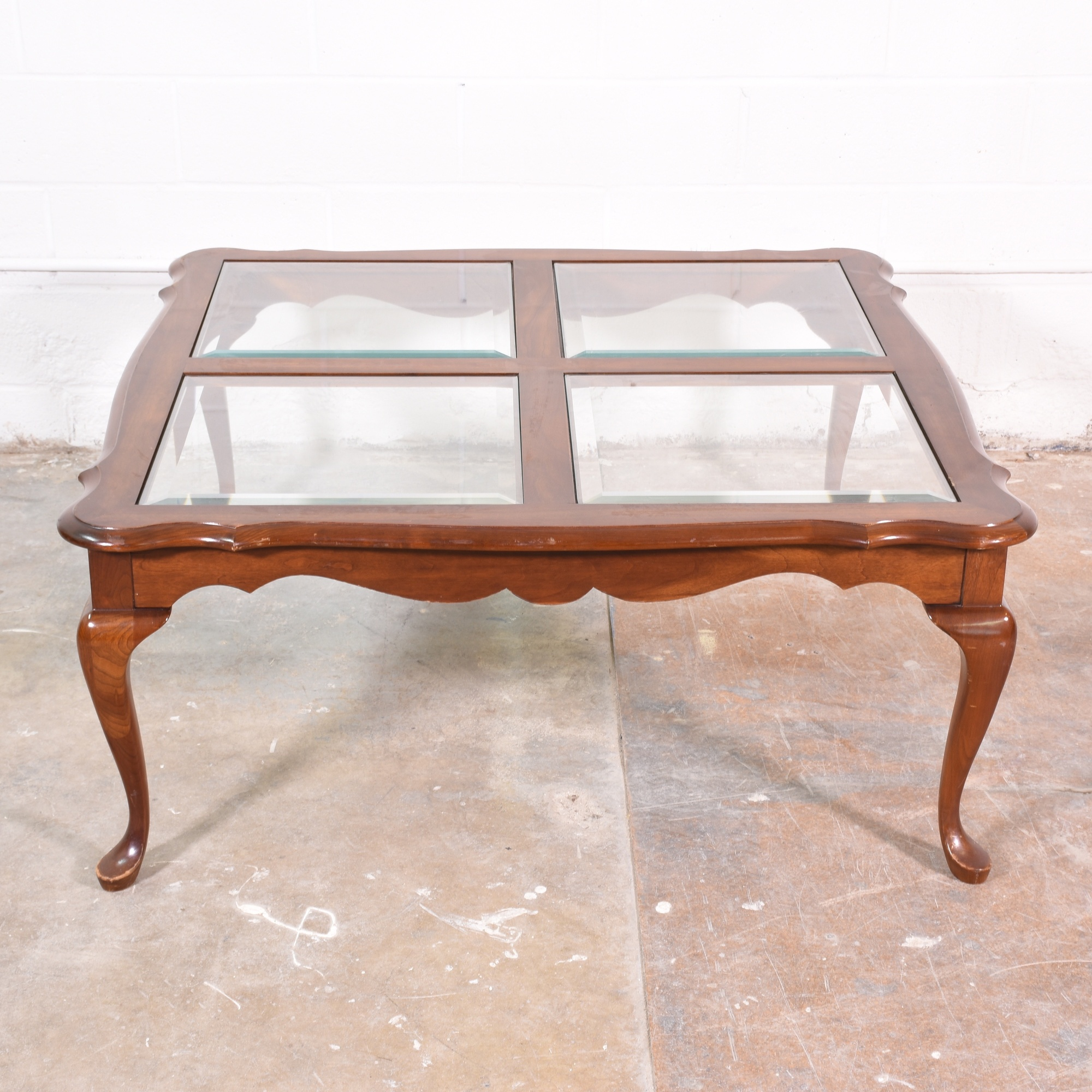 victorian style coffee table w glass