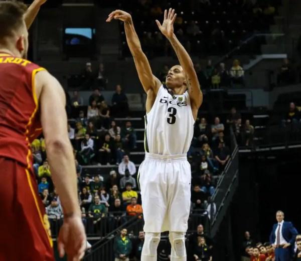 Oregon Men's Basketball: Ducks Defeat USC, 80-75, in ...
