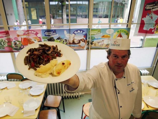 Чем кормят школьников в столовых разных стран еда, обед, столовая, школа