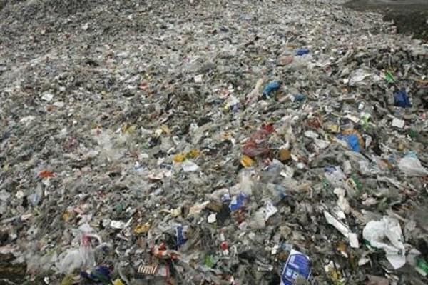 Гигантский остров из мусора в Тихом океане
