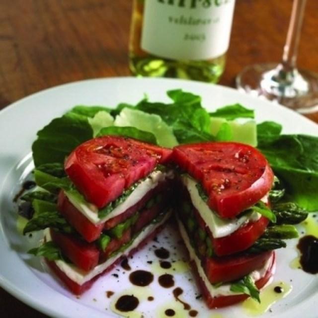 12. Бутерброд из помидора, спаржи, брынзы и базилика еда, своими руками, сделай сам