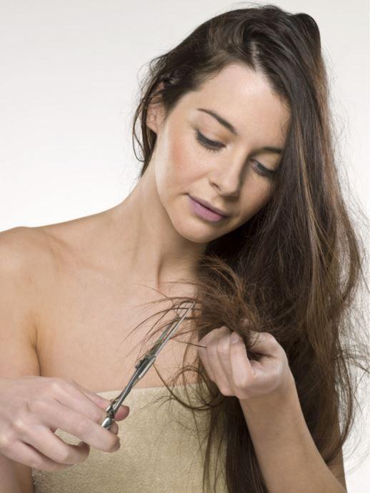 1. Предотвратить сечение кончиков волос поможет вазелин. Просто смазывайте кончики небольшим количеством этого средства вазелин, применение, способ