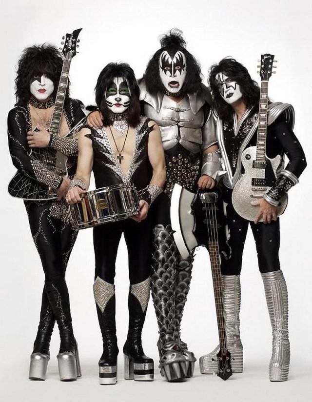 1.  история, рок группы