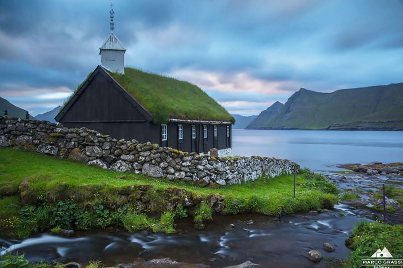 Фуннингур, Фарерские острова  дом, крыша, озеленение, скандинавия