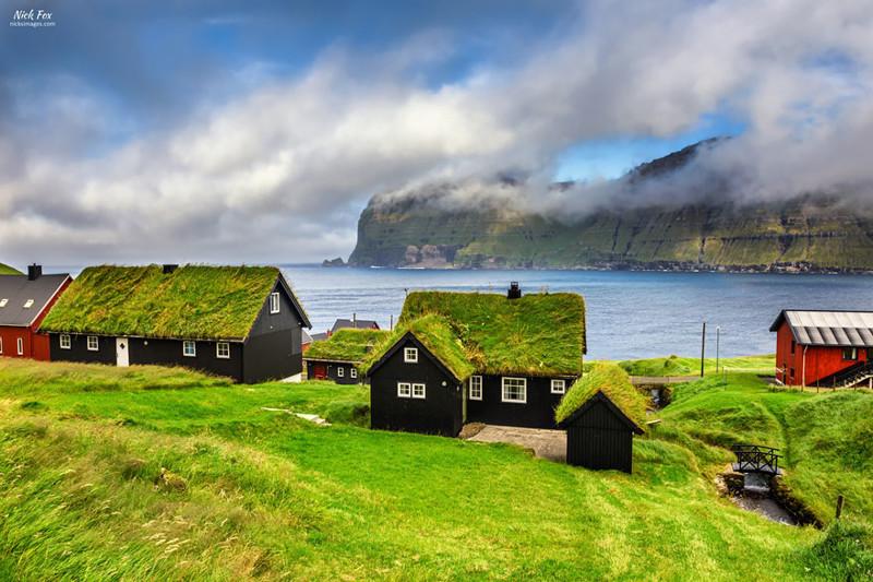 Микладеалур, Фарерские острова  дом, крыша, озеленение, скандинавия