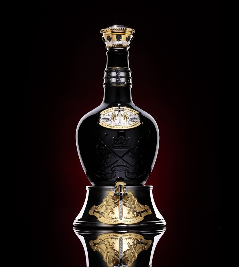 9. Tribute to Honour от Royal Salute – $200000 – $215000 алкоголь, стоимость