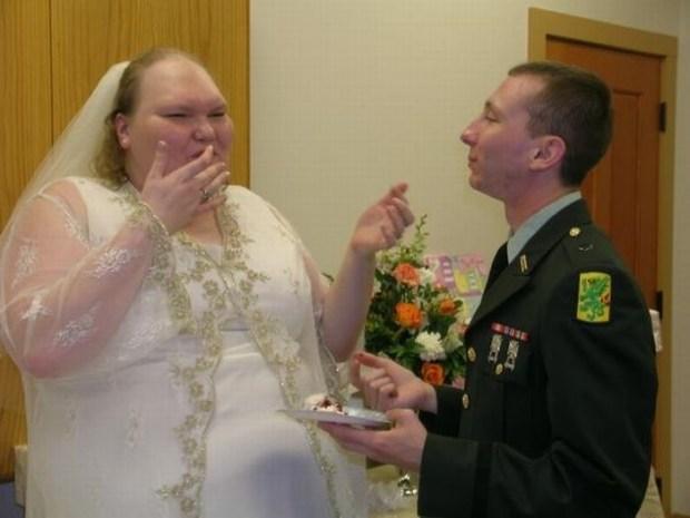 У самой колоритной пары Рунета подрастает малыш брак, пара, пополнение, ребенок, семья, фото