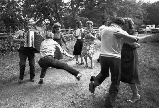 Там, где появлялся аккордеон, сразу начиналось веселье СССР, Советские люди, дискотека, история, танцы, фото