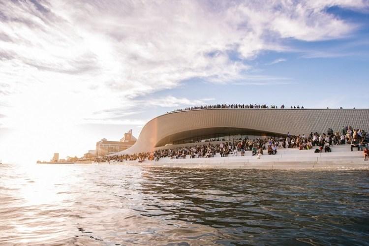 Музей искусств, архитектуры и технологий, Лиссабон архитектура, дома, здания будущего, красота, необычно, проекты, строения, творчество
