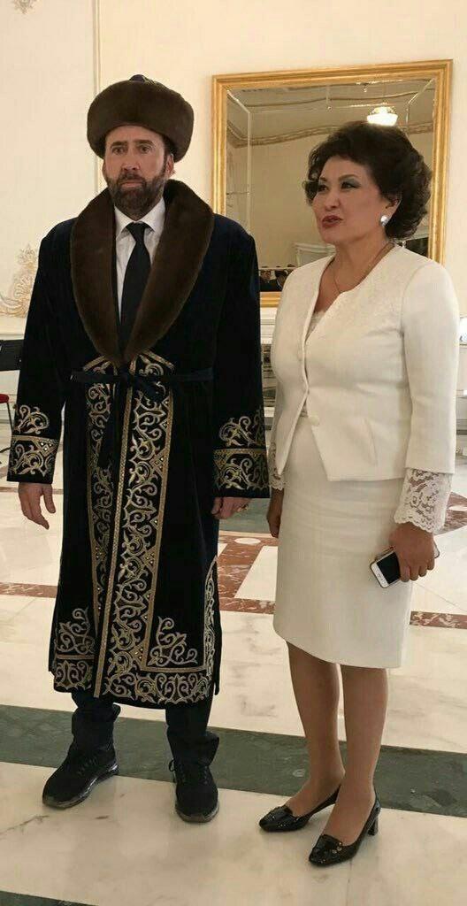 Из-за этой фотографии популярность голливудского актера на территории СНГ взлетела до небес  казахстан, николас кейдж, прикол, соцсети, фотожаба, юмор