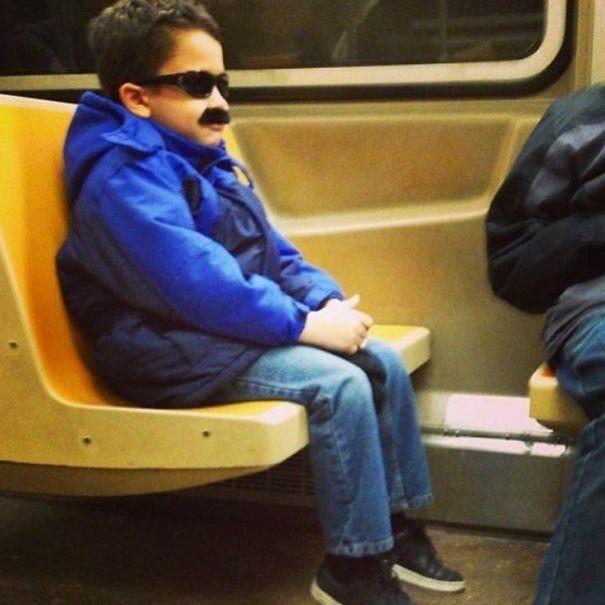 Сегодня пораньше ушел с работы люди, метро, мир, подземка, прикол, фото, фрик, юмор
