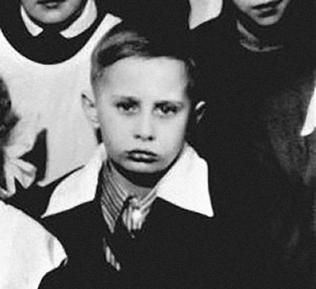 5. С этим парнишкой мы все давно знакомы детство, политики, фотографии