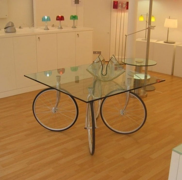 Мужчина нашел ржавое велосипедное колесо в гараже и вот что с ним сделал. Просто фантастика! велосипед, интересно, колесо, очумелые ручки, своими руками, фото